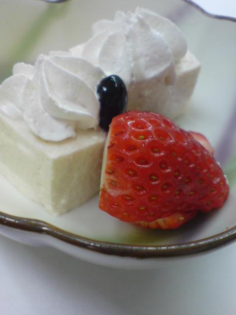 「りんごムース」と「帆立と赤貝の苺酢」_d0182179_181342.jpg
