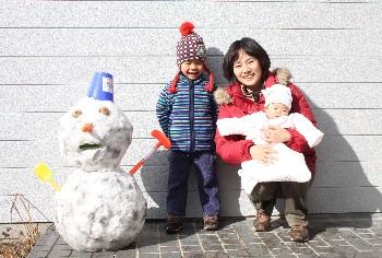 イクメン日記⑪ 寒波到来、雪だるまは家族の結晶_b0067283_1112069.jpg