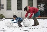 イクメン日記⑪ 寒波到来、雪だるまは家族の結晶_b0067283_1114750.jpg