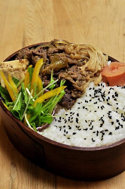 牛すき煮弁当_b0171098_658088.jpg