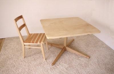 トチのテーブル_c0138410_2135341.jpg