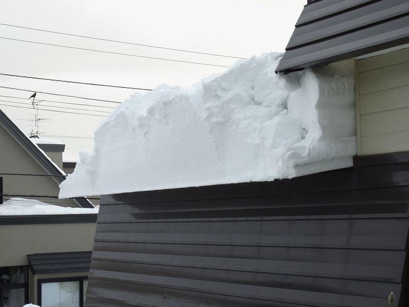 屋根からの落雪_c0025115_2147985.jpg