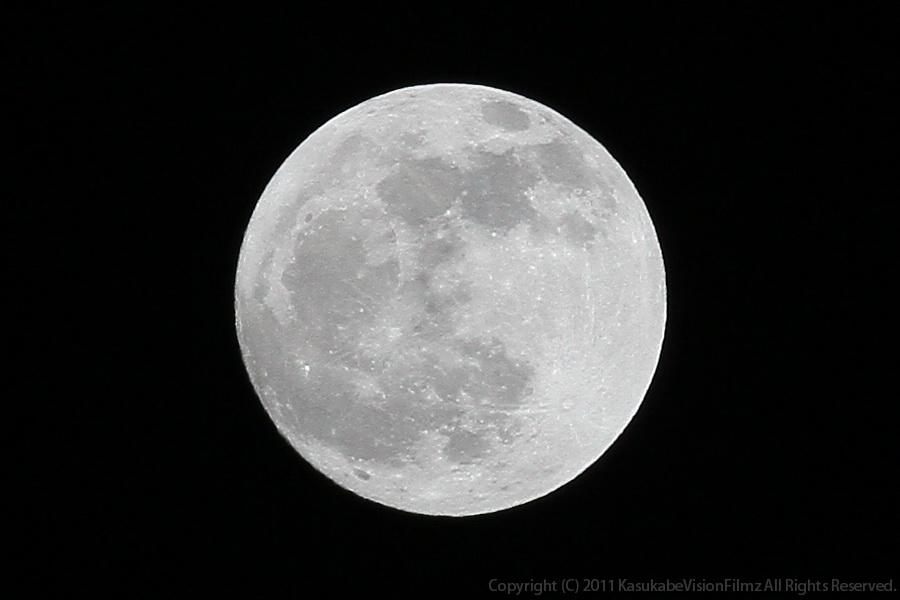 月齢:15.14 輝面比:99.81%_b0136231_2273656.jpg