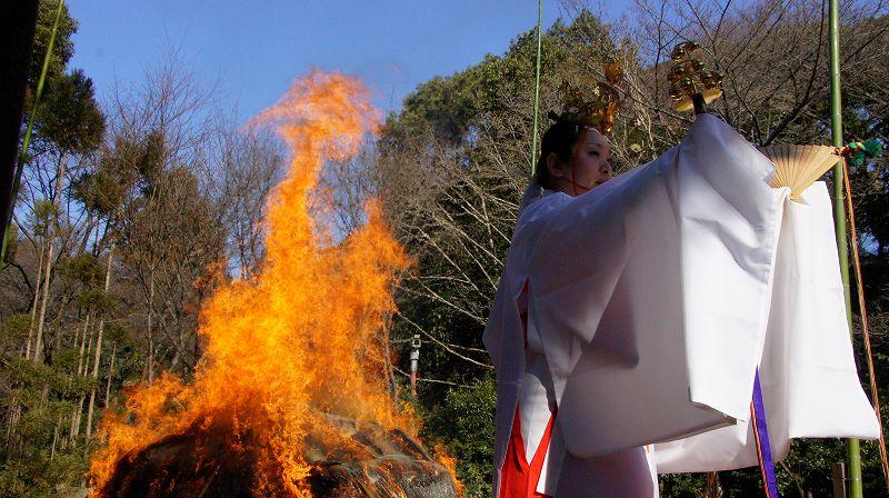 厄除大祭 焼納神事 (八幡 石清水八幡宮 ) (2011年01月19日)_c0119555_21123914.jpg