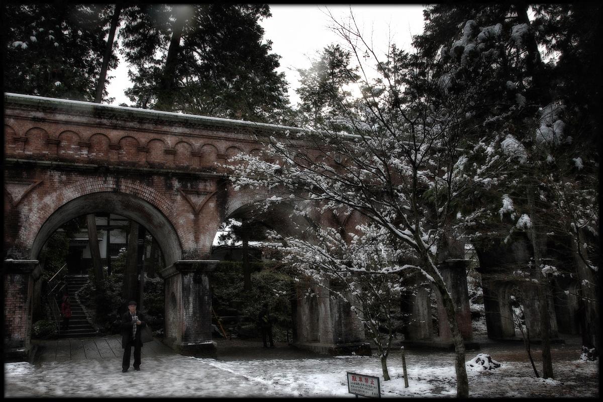 雪景色 <水路閣>_f0021869_22593622.jpg
