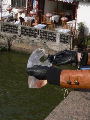 中国出張2010年12月-週末旅行-第一日目-朱家角鎮(I) チケット、放生橋、阿婆茶楼、東・西井街_c0153302_16574173.jpg