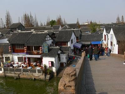 中国出張2010年12月-週末旅行-第一日目-朱家角鎮(I) チケット、放生橋、阿婆茶楼、東・西井街_c0153302_16583997.jpg