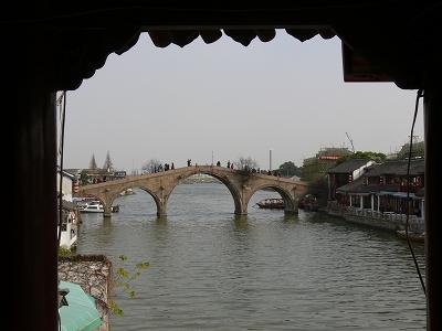中国出張2010年12月-週末旅行-第一日目-朱家角鎮(I) チケット、放生橋、阿婆茶楼、東・西井街_c0153302_1722124.jpg