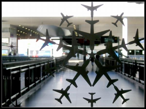 関空 ガラスシール 飛行機の結晶2*_b0155684_223299.jpg