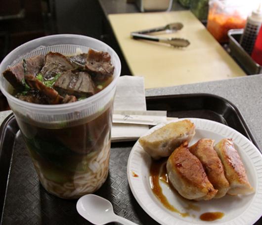 ヌードル・スープもオススメなNYの1ドル餃子屋さん、Dumpling House_b0007805_20141066.jpg