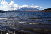 乾燥した気候により千葉県・木更津からも見える富士山@テレビ朝日・報道ステーション_f0006713_0432050.jpg