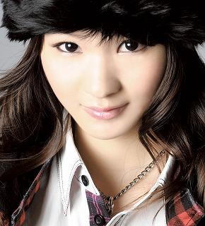 星のオトメ歌劇団のメンバーとして活動中の渡部優衣。彼女が、ユニットよりソロ・デビューが決定!!_e0025035_15382522.jpg
