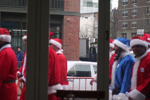 NYC サンタさんいっぱい!@BOWERY_d0004651_15134913.jpg