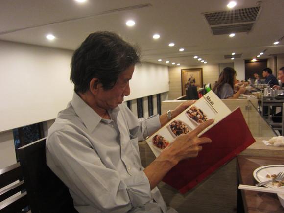 自由民主党の元首相小泉さんの写真がお店に_b0100062_23371231.jpg