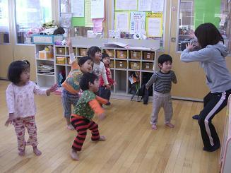 ししの舞を踊って楽しみました。_c0197584_10403398.jpg