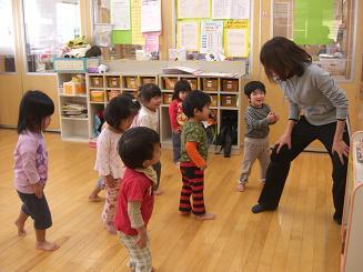 ししの舞を踊って楽しみました。_c0197584_10411030.jpg