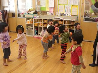 ししの舞を踊って楽しみました。_c0197584_10412629.jpg