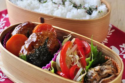 鶏の豆腐入りつくねのお弁当_b0171098_816301.jpg