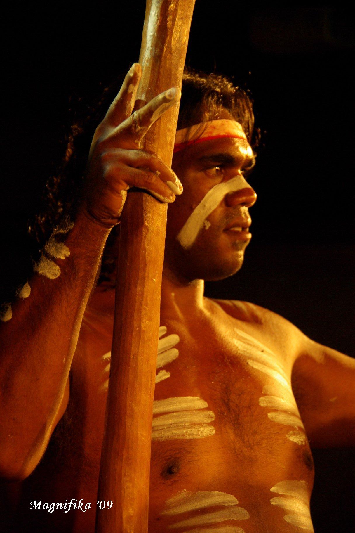 ASUKA II 南太平洋グランドクルーズ2009-25 アボリジニのショー Aboriginals Performance_e0140365_22161632.jpg