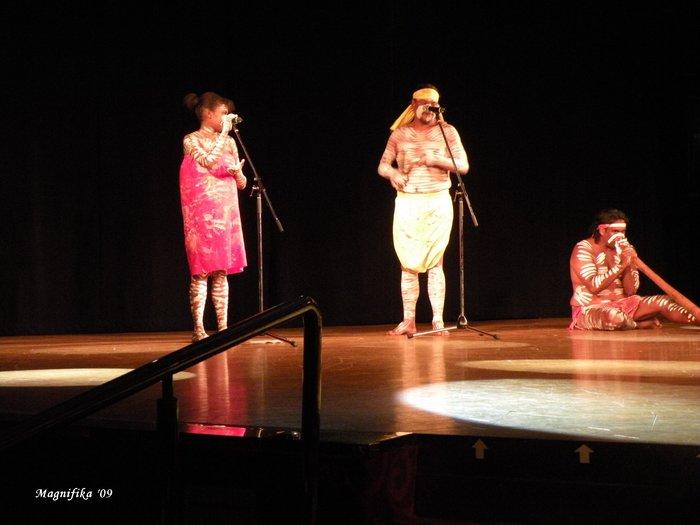 ASUKA II 南太平洋グランドクルーズ2009-25 アボリジニのショー Aboriginals Performance_e0140365_2223734.jpg