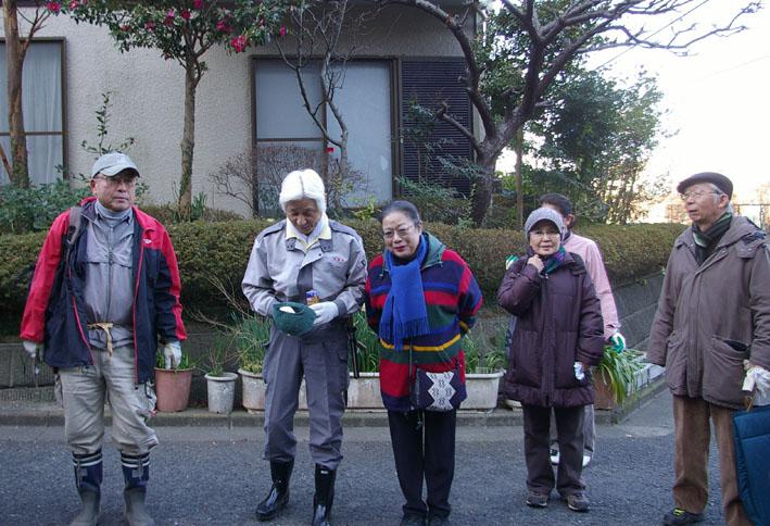 30名参加、六国見山森林公園の手入れスタート(1・22)_c0014967_19514924.jpg