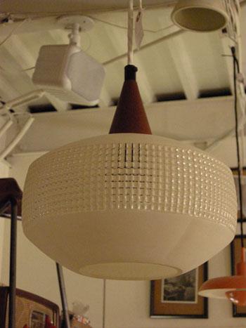 Pendant lamp (DENMARK)_c0139773_1921253.jpg