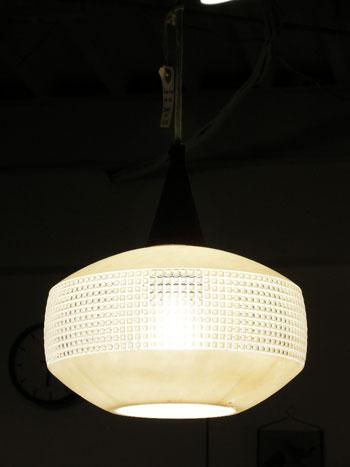 Pendant lamp (DENMARK)_c0139773_1923629.jpg