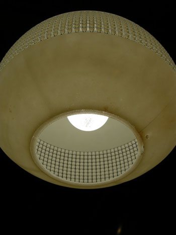 Pendant lamp (DENMARK)_c0139773_1925232.jpg