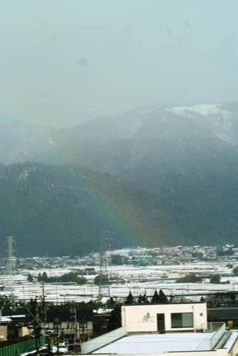 雪山と虹_b0048834_6154625.jpg