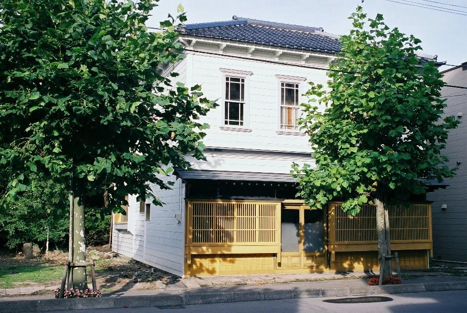 明治ロマン、函館馬車鉄道通りの建物_a0158797_22402747.jpg