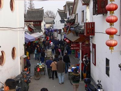 中国出張2010年12月-週末旅行-第一日目-朱家角鎮(IV) 円津禅院、城隍廟、北大街 _c0153302_0125076.jpg
