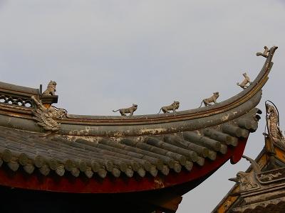 中国出張2010年12月-週末旅行-第一日目-朱家角鎮(IV) 円津禅院、城隍廟、北大街 _c0153302_081879.jpg