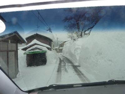 議会有志で鳥海の豪雪状況視察_b0084826_144761.jpg