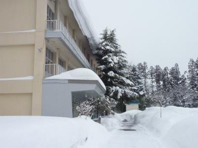 議会有志で鳥海の豪雪状況視察_b0084826_14513359.jpg
