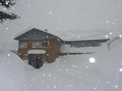 豪雪二週間以上降り続く_b0084826_8171947.jpg