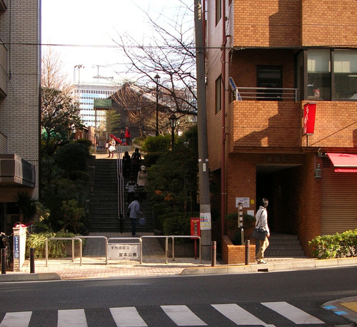 銀座→御茶の水 事務所 シナ合板 目透かし_e0127948_1856494.jpg
