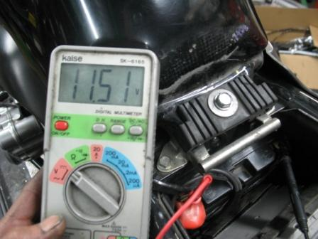 CB400Revo バッテリー上がり_e0114857_00949.jpg
