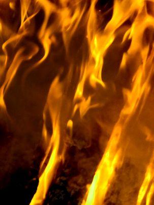 火を焚く_b0102572_9515517.jpg
