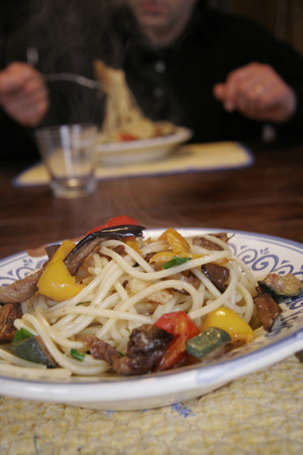 真冬に食べる夏野菜のパスタ_f0106597_22453421.jpg