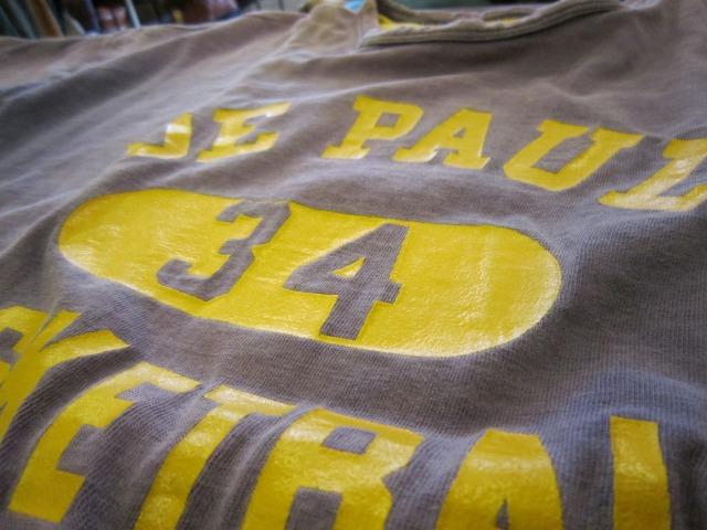 季節はずれのTシャツ 上玉カレッジ2枚!_a0182112_156831.jpg