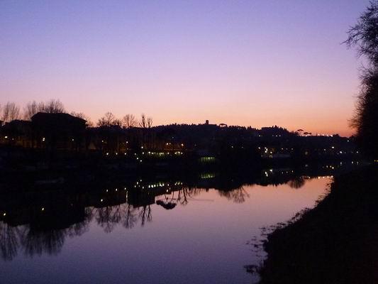 ルンガルノ沿い、冬の日没_c0089988_1755366.jpg