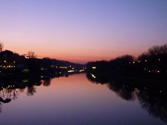 ルンガルノ沿い、冬の日没_c0089988_1801585.jpg