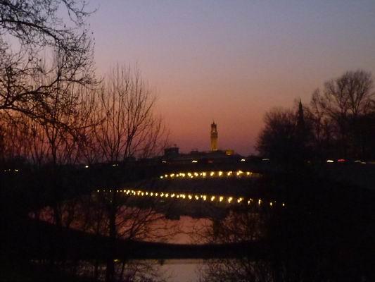 ルンガルノ沿い、冬の日没_c0089988_182173.jpg