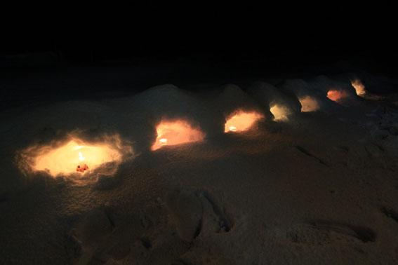ミニミニかまくらのローソクの灯火_e0054299_14361655.jpg