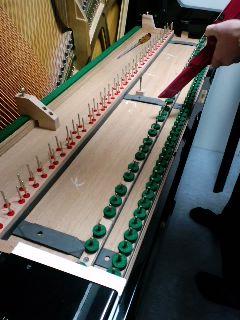 今日はピアノの調律ディでした★_f0180576_19594562.jpg