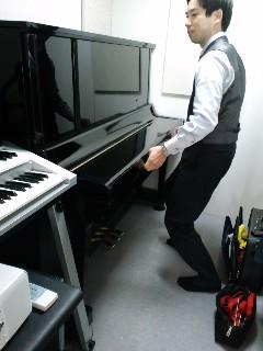 今日はピアノの調律ディでした★_f0180576_19594592.jpg