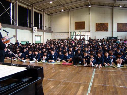 因島の因北小学校_a0047200_22144523.jpg