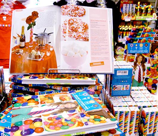 バレンタイン前のNYにあるお菓子の国、ディランズ・キャンディー・バー(Dylan\'s Candy Bar)_b0007805_013789.jpg