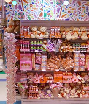 バレンタイン前のNYにあるお菓子の国、ディランズ・キャンディー・バー(Dylan\'s Candy Bar)_b0007805_0222747.jpg