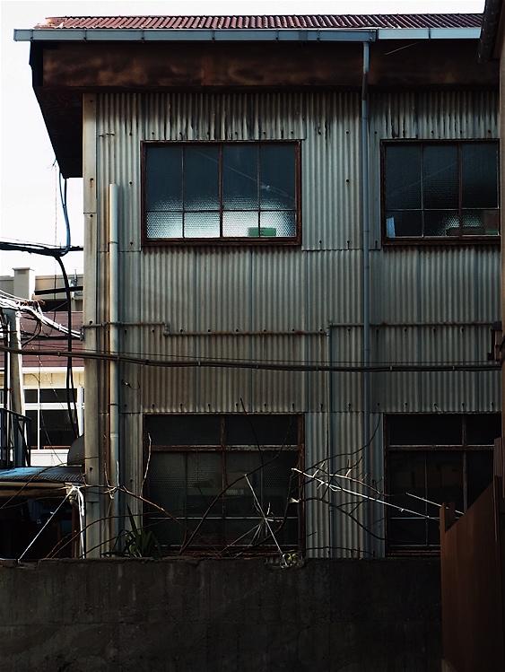 工場窓_c0156717_11141094.jpg